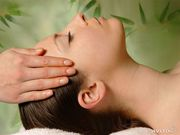 успокаивающий,  стимулирующий массаж головы,  шеи,  плечевой зоны